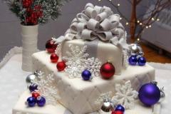 ELE-gift-cake