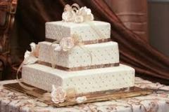 ELE-season-cake