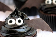 CUP-31-Bat-cupcake