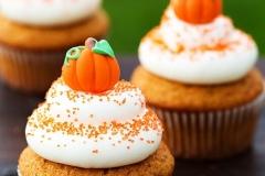 cinnamon-pumpkin-cupcake